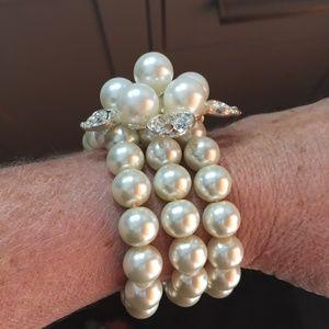 Floral Pearl bracelet faux